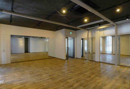 床はクッションフロア。裸足でもさらっとした質感のものを選んでいます。