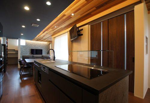 【新築】モダンなキッチン・リビングにこだわりのある住宅